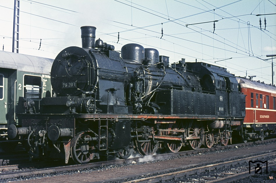Hamburg-Langenfelde. (04.1967) Fotolink: Eisenbahnstiftung Foto: K.D. Hensel