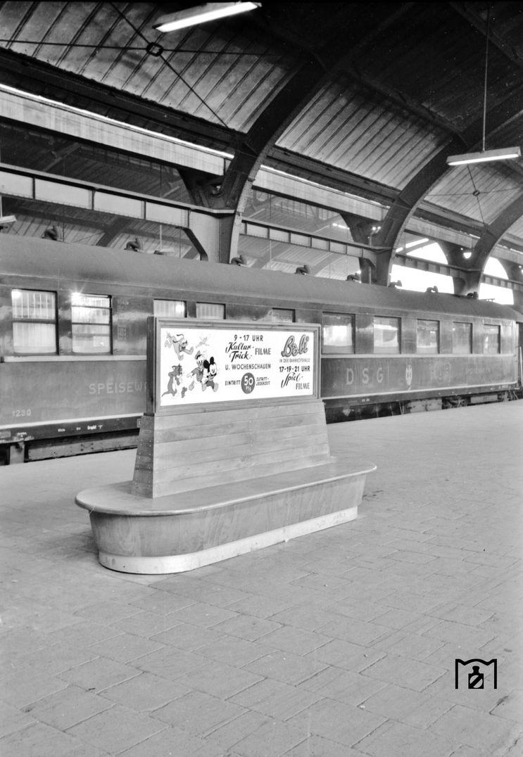 DSG WR 1230 in Hagen Hbf. Foto: (24.07.1956) BD Wuppertal (Säuberlich) Bildlink: www.eisenbahnstiftung.de