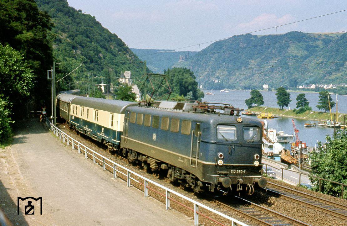 21 Züge und Lokomotiven Ideen in 21   lokomotive, eisenbahn ...