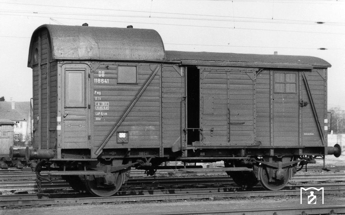 Pwg pr13 Nr. 118 641 , Hanau Hbf 2.62, Foto: Joachim Claus Fotolink: Eisenbahnstiftung