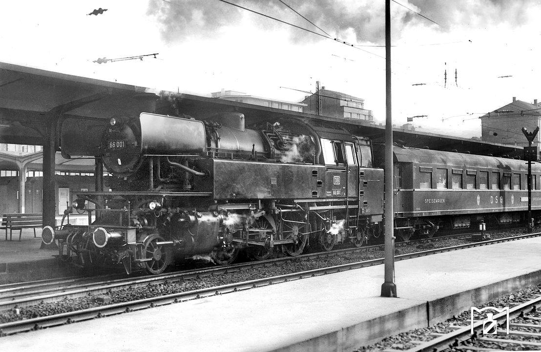 DSG 1086 mit 66 001 Mainz Hbf Foto: Carl Bellingrodt Fotolink: Eisenbahnstiftung.de
