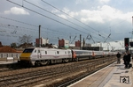 Der East Coast High Speed Train 91130 (Edinburgh - Leeds - London-KingsCross) in Doncaster. (13.04.2012) <i>Foto: Joachim Bügel</i>