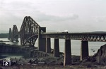 "LNER class A 4 60009 ""Union of South Africa"" auf der berühmten Forth Bridge über den Firth of Forth nahe Edinburgh. (24.02.1964) <i>Foto: David Adams</i>"